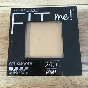 3/$27 Maybelline Fit Me Set Smooth Powder Golden